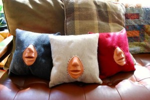 kissing pillows